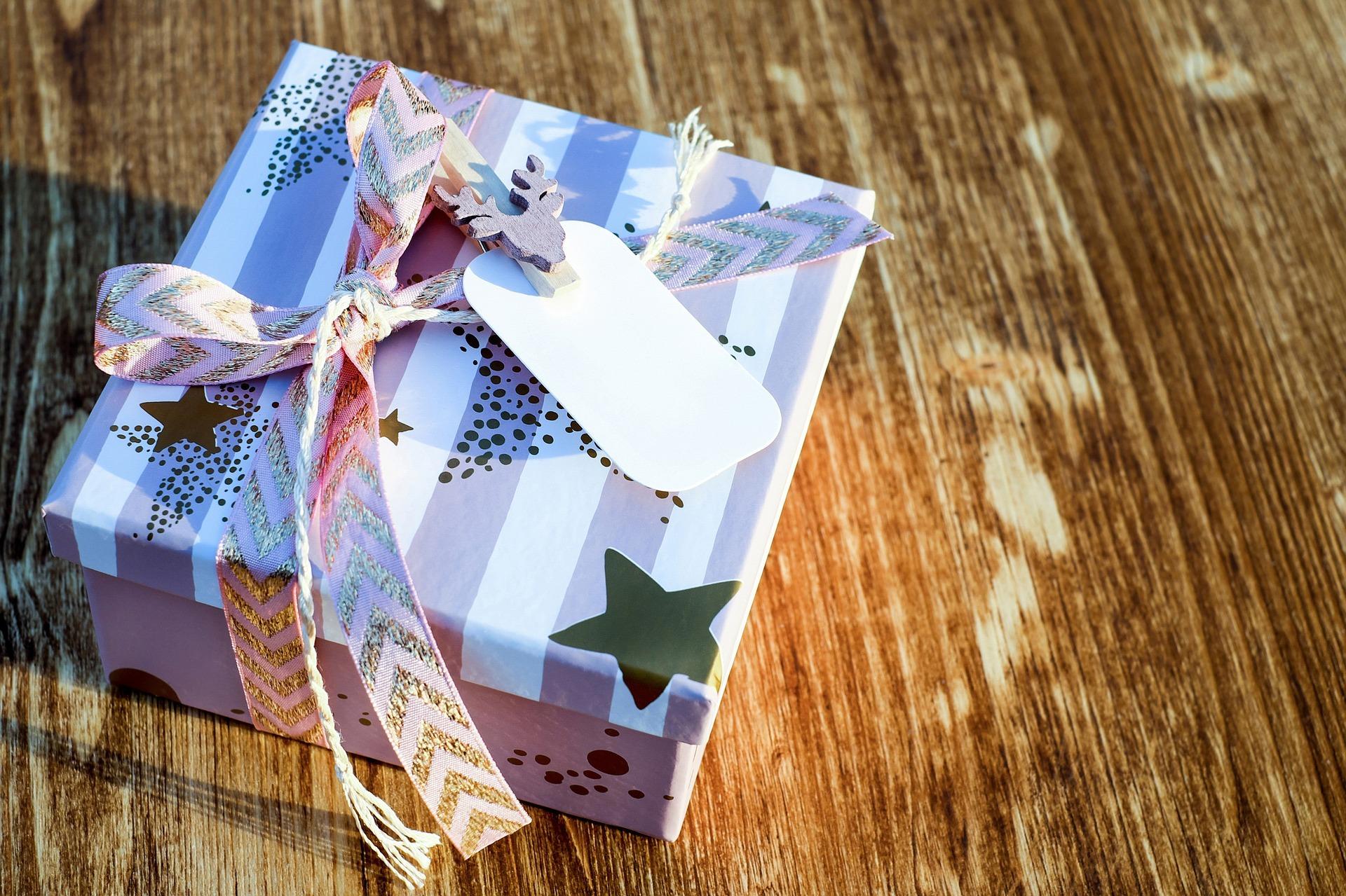 Fêtes de fin d'année : offrir un cadeau à vos travailleurs ?